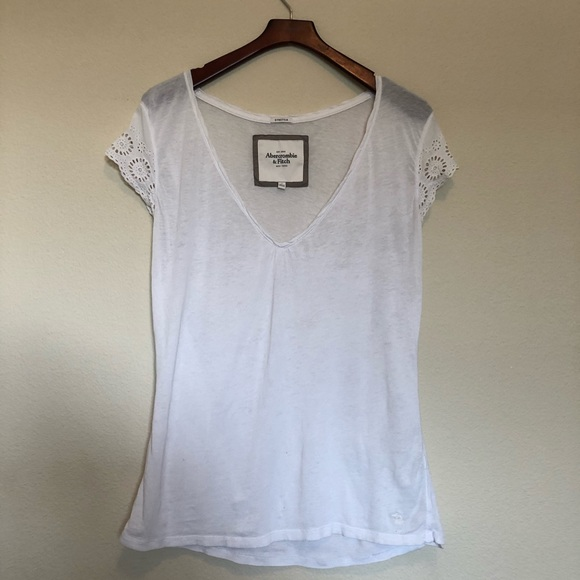 Abercrombie & Fitch Tops - Abercrombie & Fitch Short Sleeve Tee - White (S)